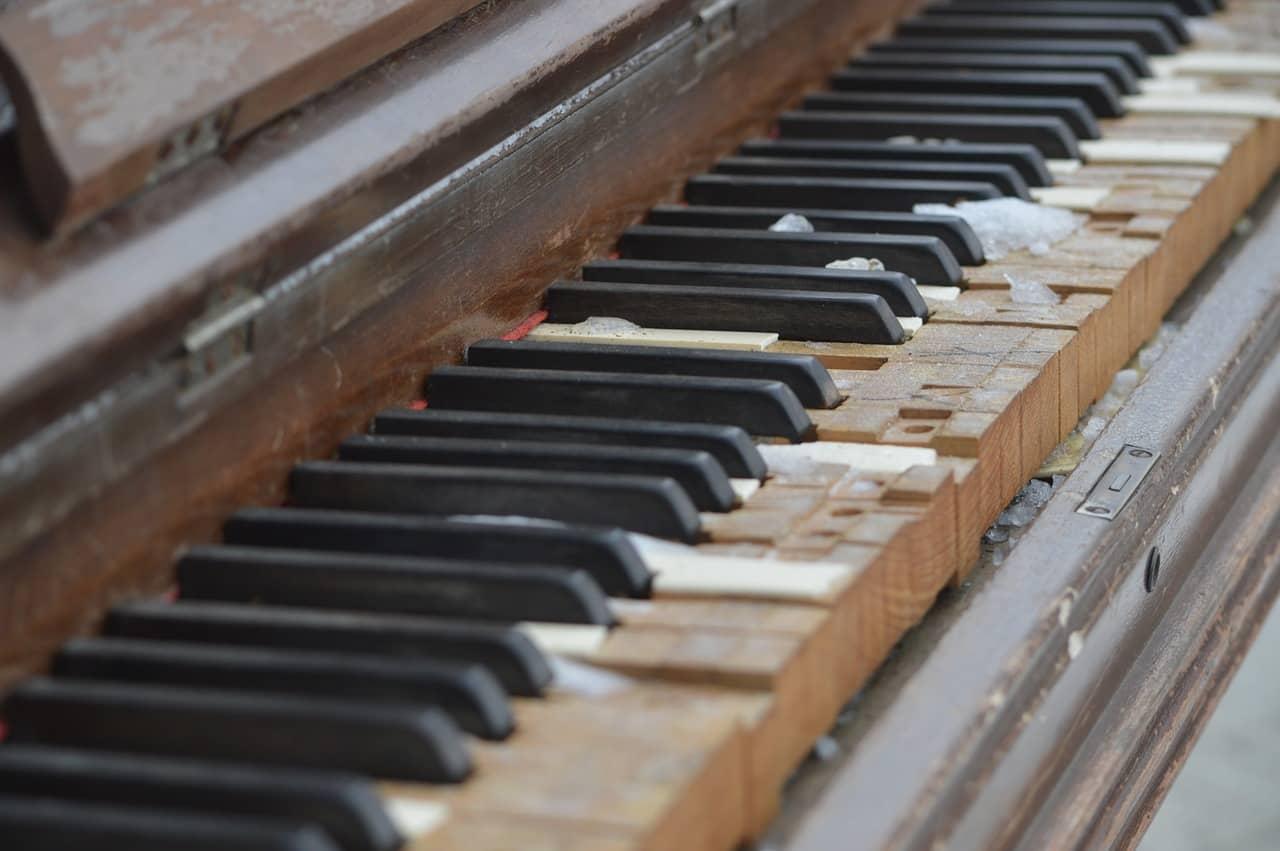 piano detail-marco art of restoration
